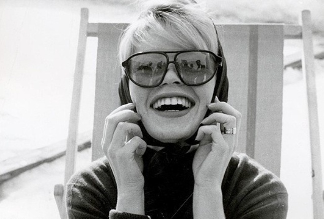 Picture Of 6 Stylish Iconic Sunglasses Of All Time1  2