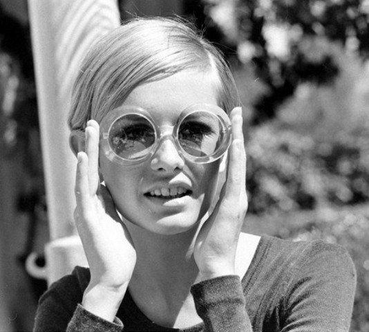Picture Of 6 Stylish Iconic Sunglasses Of All Time 2