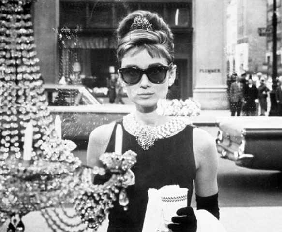 Picture Of 6 Stylish Iconic Sunglasses Of All Time 6