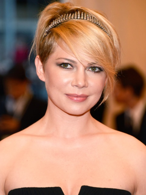 Picture Of 7 Adorable Ways To Style Short Hair 5