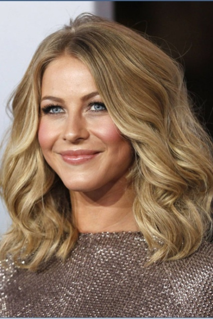 Picture Of 8 Perfect Ways to Style Midlength Hair 8
