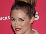 9 Easy-To-Make Updos For Second-Day Hair5