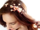 9 Stylish Floral Hair Accessories This Spring7