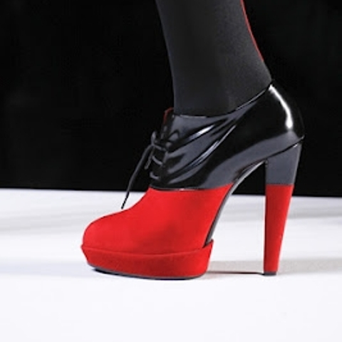 Adorable DIY Viktor & Rolf Inspired Red And Black Booties