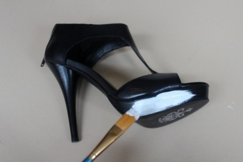 Amusing And Original DIY Polka Dot Sandals