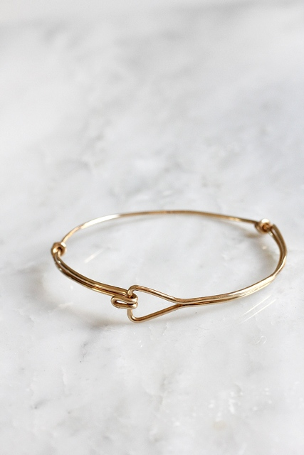 Awesome DIY Triangle Wire Bracelet