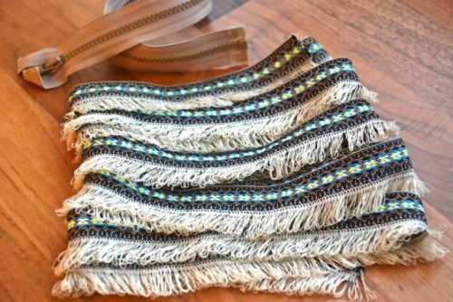 Beautiful DIY Fringed Clutch