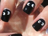 glossy black nails with googly eyes are great for Halloween, these are a perfect solution to rock