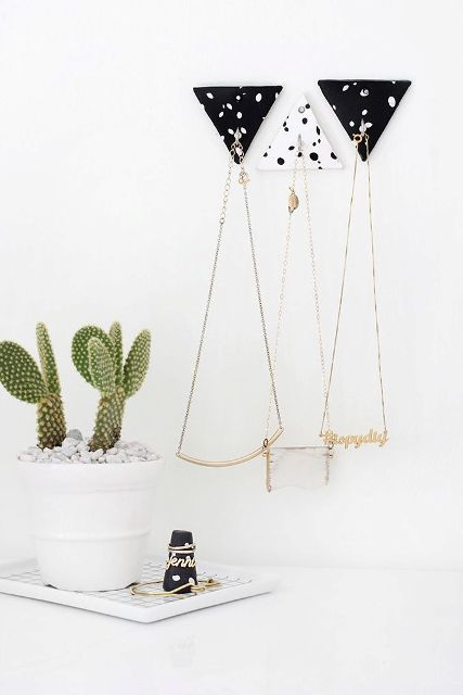 Black And White DIY Triangle Clay Necklace Hooks