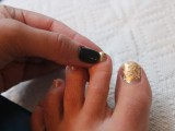 Bright DIY Gold Leaf Pedicure5