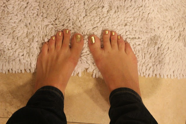 Picture Of Bright DIY Gold Leaf Pedicure 8