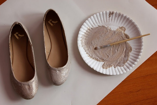 Picture Of Chic DIY Glitter Bow Tie Flats 4