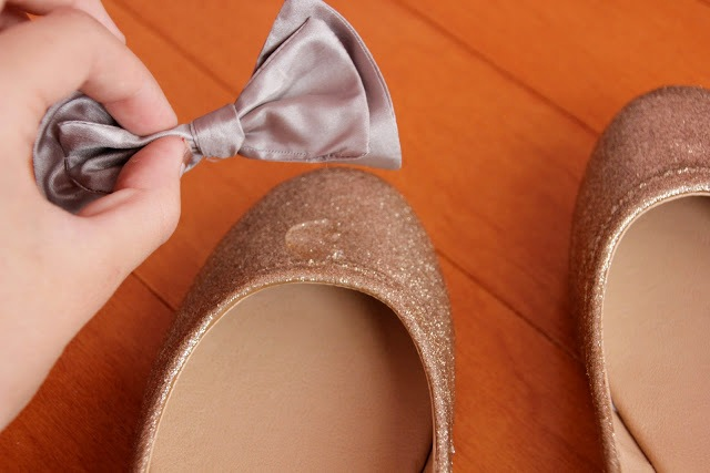 Picture Of Chic DIY Glitter Bow Tie Flats 9