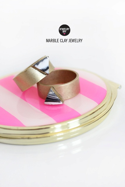Trendy And Chic DIY Marbled Clay Jewelry