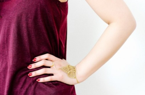 Boho Chic DIY Metallic Lace Hand Chain