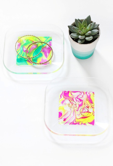 Picture Of Colorful DIY Neon Marbled Jewelry Tray 2