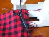 Comfortable DIY Fringe Kilt From A Scarf3