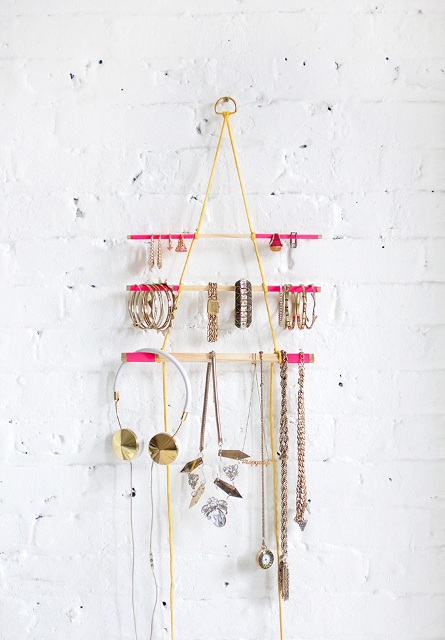 Picture Of Comfortable DIY Hanging Jewelry Holder 2