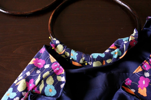 Picture Of Comfortable DIY Hoop Handled Handbag 9