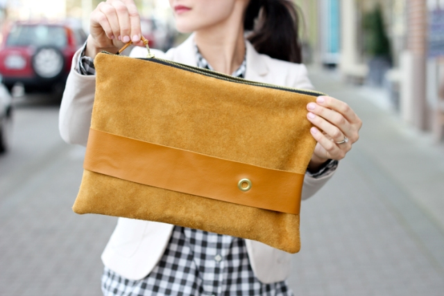 Comfortable DIY Leather Strap Clutch