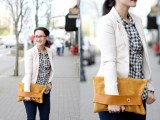 Comfortable DIY Leather Strap Clutch7