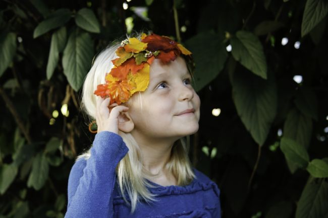Picture Of Cool Autumn Idea of DIY Fall Leaf Crown 2