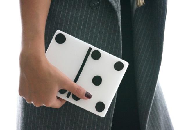 Picture Of Creative DIY Domino Clutch 5