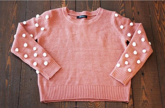 Picture Of Creative DIY Pom Pom Sweater 4