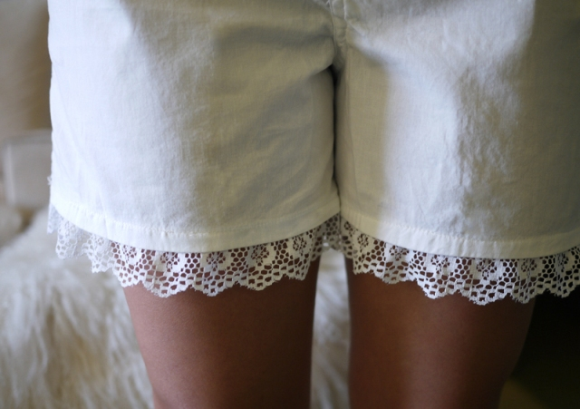 Picture Of Cute DIY Air Lace Shorts 5