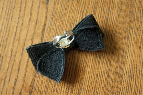 Cute DIY Sequin Bow Ring