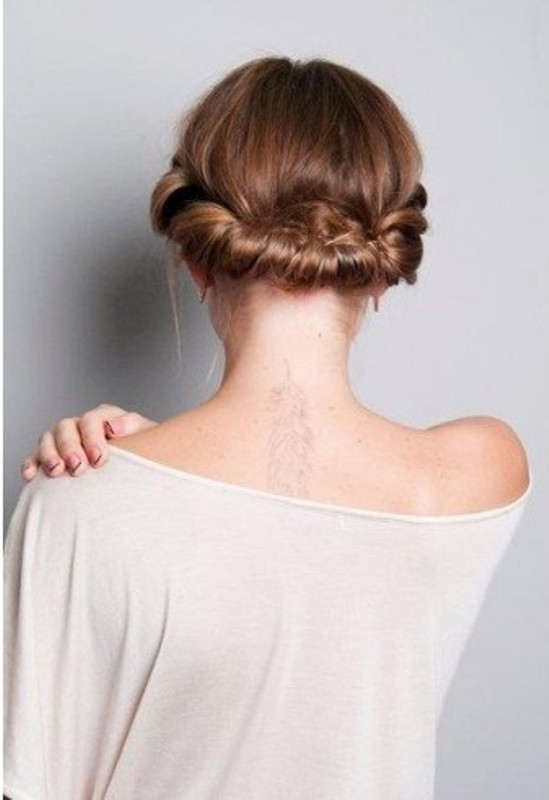 Picture Of DIY Easy Greek Hairstyle With A Bandage 12