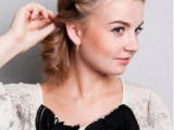 DIY Easy Greek Hairstyle With A Bandage 7