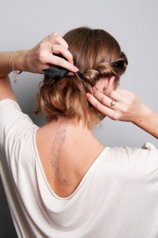 Picture Of DIY Easy Greek Hairstyle With A Bandage 8
