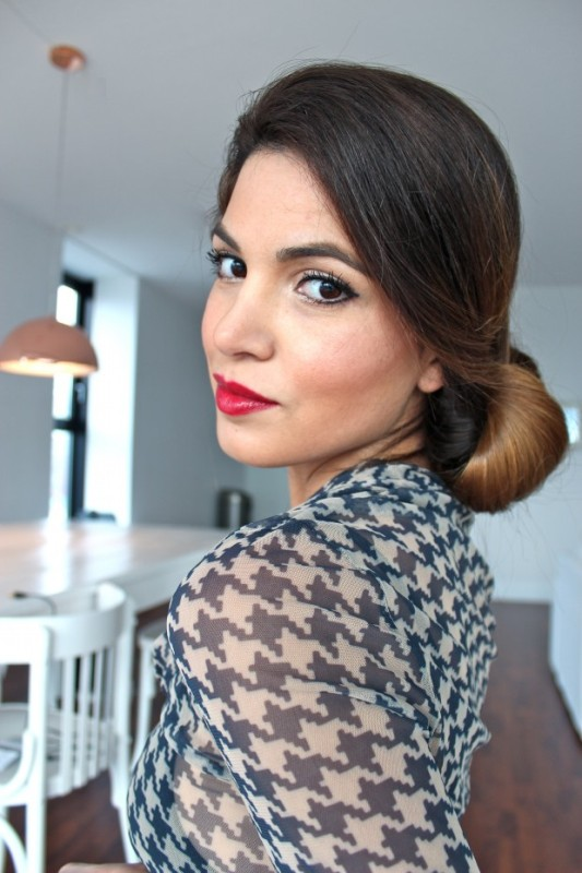 Picture Of DIY Elegant Hairstyle For The Date 1