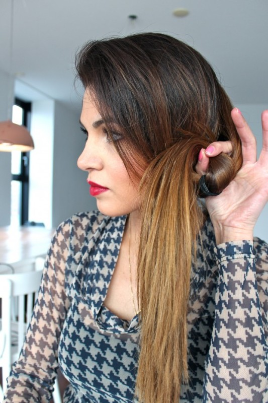 Picture Of DIY Elegant Hairstyle For The Date 5