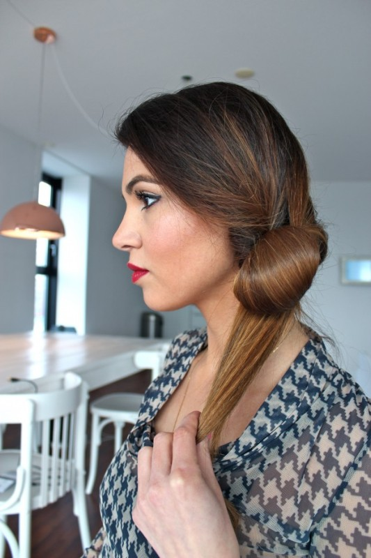 Picture Of DIY Elegant Hairstyle For The Date 8