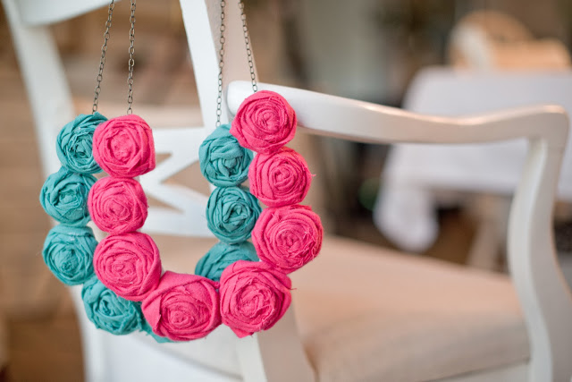 Picture Of DIY Fabric Rolled Flower Necklace 10