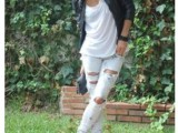 DIY Fashionable Ripped Jeans 2