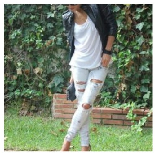 DIY Fashionable Ripped Jeans