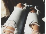 DIY Fashionable Ripped Jeans 3