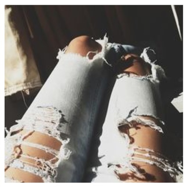 Picture Of DIY Fashionable Ripped Jeans 3