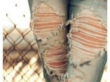 DIY Fashionable Ripped Jeans 4