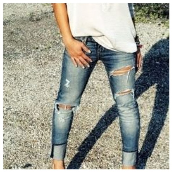 Picture Of DIY Fashionable Ripped Jeans 5