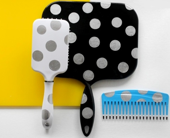 Picture Of DIY Set Of Brush And Mirror 1