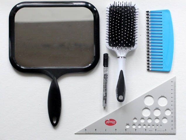 Picture Of DIY Set Of Brush And Mirror 2