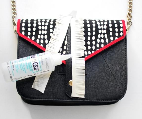 Picture Of DIY Stylish Embellished Bag 6
