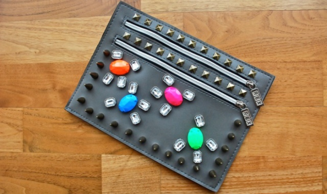Picture Of Easy DIY Embellished Clutch 3