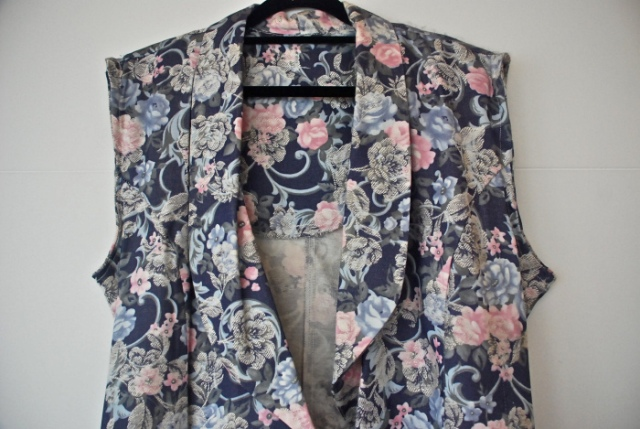 Picture Of Easy To Make DIY Refashioned Floral Blazer 3