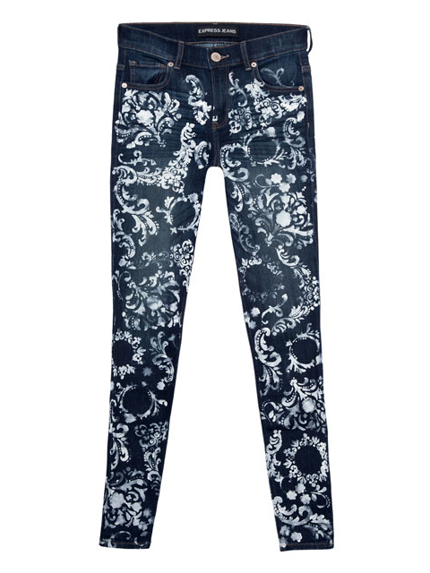 Elegant DIY Baroque Painted Jeans