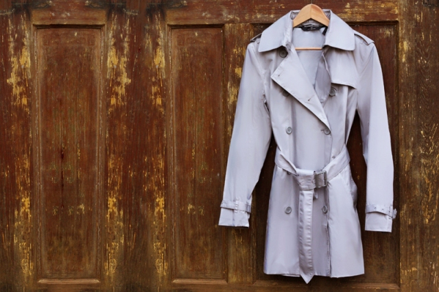 Picture Of Elegant DIY Sleeveless Trench Coat 2